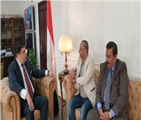 حسين زين يلتقى نقيب المهن السينمائية