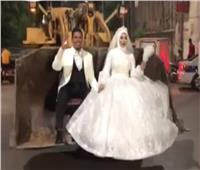 فيديو| عروسا اللودر يكشفان تفاصيل زفة استمرت ساعتين