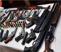 ضبط 14 شخصًا بحوزتهم سلاح ناري بحلوان
