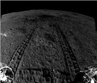 مركبة الصين الفضائية تلتقط صورًا لمواد غريبة على سطح القمر