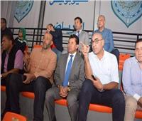 وزير الرياضة يتابع استعدادات منتخب اليد خلال وديته مع البرتغال
