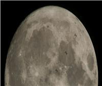 هل يصبح القمر خزان الأرض للمياه؟