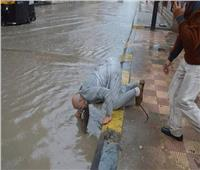 القصة الكاملة لقيام رئيس مركز مطوبس بتسليك «صفاية» أمطار