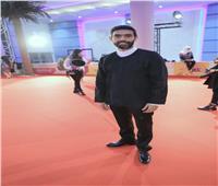 صور| عمرو عابد يتألق على السجادة الحمراء بافتتاح «أيام قرطاج»