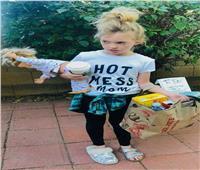صور| طفلة تحتفل بالهالوين على طريقة الأمهات