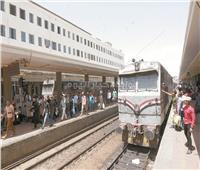 كمسارية القطارات: نتعرض لضغوط قاسية.. ورئيس قطار طنطا لم يراع روح القانون