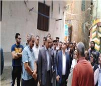 صور|للمرة الثانية.. محافظ الإسكندرية يتفقد عقار الورديان المائل