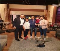 غدا..«أحمد شيبة» يتحدي ابنه في مباراة غنائية بـ«واحد من الناس»