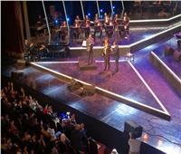 صور| لفتة إنسانية من مدحت صالح بحفل الموسيقى العربية