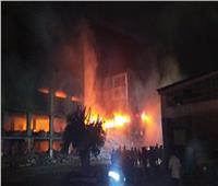صور| انهيار جزئي بـ«مصنع قليوب» بعد الحريق.. وإخلاء المصانع المجاورة