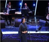 صور| آيات فاروق وفؤاد زبادي يفتتحان رابع ليالي مهرجان الموسيقى العربية