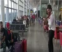 فيديو| عازفو «كامنجا» ينشرون البهجة في مطار برج العرب
