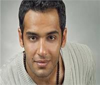 بعد إعلان إصابته بالبهاق.. «الناظر» يطمئن رامي جمال