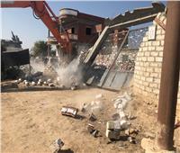صور| تنفيذ 6 قرارات إزالة لتعديات على أراضي الدولة بالإسكندرية