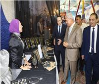 محافظ المنوفية يتفقد معرض حزب مستقبل وطن للشباب والفتيات