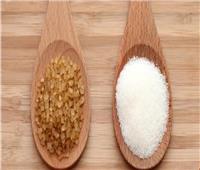 تعرفي على الفرق بين السكر الأبيض والأسمر