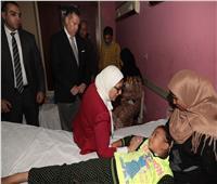 وزيرة الصحة ومحافظ بني سويف يزوران تلاميذ «الجفادون»