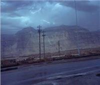 المرور يغلق طريق إدفو في اتجاه مرسى علم بسبب الطقس السيئ