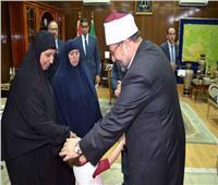 صور| وزير الأوقاف يعزي أسر الشهيدين قبل افتتاح مسجدهما بقويسنا