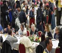 البابا فرنسيس يجتمع مع 1500 فقير في الفايتكان