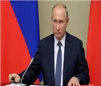 بوتين وماكرون يبحثان هاتفيا التطورات الأخيرة في ملف الأزمة السورية