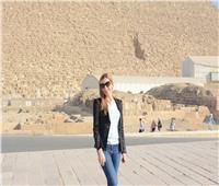صور|وزيرة السياحة البلغارية تزورأهرامات الجيزة ومجمع الأديان بمصر القديمة