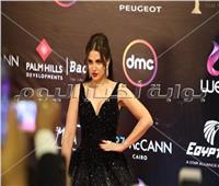 فيديو| ظهور خاطف للأنظار لـ«درة» في مهرجان القاهرة السينمائي