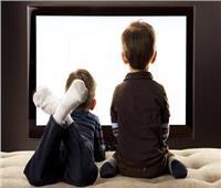 في يومه العالمي| «أخصائية» تكشف مزايا وعيوب التلفزيون على الأطفال