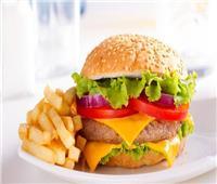 «نصائح مجربة».. كيفية إعداد «البرجر» شهيا