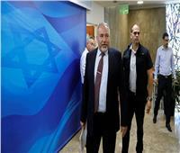 على خلفية اتهامه بالفساد... ليبرمان يطلب منح نتنياهو فرصة لإثبات براءته