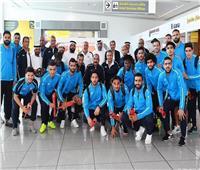 الإسماعيلي يصل مطار أبو ظبي ووفد الجزيرة يستقبلهم بالورود