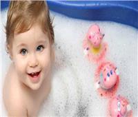 نصائح «مهمة» حول استحمام طفلك في الشتاء.. تعرفي عليها