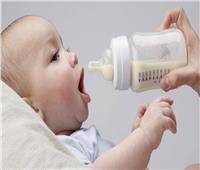 للأمهات.. تعرفي على الوقت المناسب لتناول الرضيع منتجات الألبان
