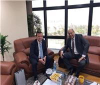 رئيس سلطة الطيران المدني يلتقي السفير الأوكراني بهدف تعزيز التعاون