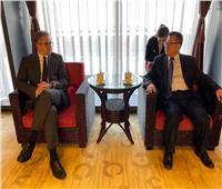 صور.. مدير متحف بكين يبحث مع وزير الآثار سبل التعاون المشترك