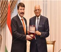 صور| «عبد العال» لرئيس المجر: مصر تواجه الإرهاب بمنظور شامل لا يقتصر على الحل الأمني