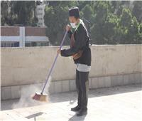 المصريون والوافدون ينظفون أسطح كلية الهندسة الزراعية بجامعة الأزهر