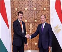رئيس المجر يغادر القاهرة بعد لقاء السيسي