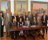 وزير التعليم العالي يستعرض تقريرا حول زيارة الوفد المصري للجامعات الماليزية