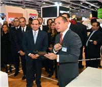 الرئيس يشهد محاكاة وعرض لمشروع التأمين الصحى الشامل داخل جناح فودافون بمعرض Cairo ICT