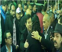 صور| هاني شاكر يقدم واجب العزاء في شعبان عبد الرحيم
