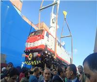 «الوزير» يشهد تفريغ أول دفعة من الجرارات الأمريكية بميناء الإسكندرية