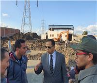 رئيس جامعة دمنهور يتفقد أعمال نقل خط الضغط العالى المار بالمستشفي الجامعي