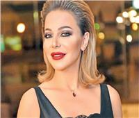 فيديو| مطار القاهرة يعيد «ذهب وألماظ» سرقوا من السورية سوزان نجم الدين