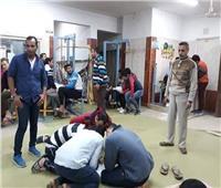 جامعة طنطا تُجبر طلابها على «افتراش الأرض».. والطرد جزاء المُعترض | صور