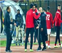 حمدي فتحي يؤازر لاعبي الأهلي أمام الهلال