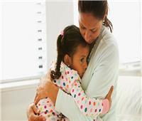 للأمهات.. كيفية التعامل مع «قيء» الأطفال مع تغيير الفصول