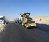 إعادة رصف 6 كم بطريق «قنا - الأقصر الصحراوي الشرقي»
