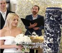 فيديو| فتاة تتزوج من «سجادة» وتقضي معها شهر العسل