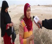 فيديو| «رزق من بطن الجحور».. سيدات «أبو رواش» يصطدن الثعابين والأفاعي